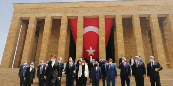 Meral Akşener kurmaylarıyla Anıtkabir'i ziyaret etti