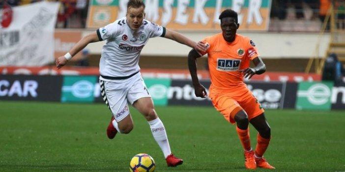 Beşiktaş'ın yeni transferini canlı yayında açıkladı