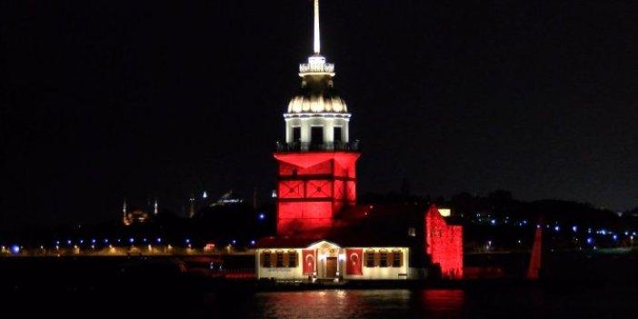 Kız Kulesi ve Selimiye Kışlası kırmızı beyaz
