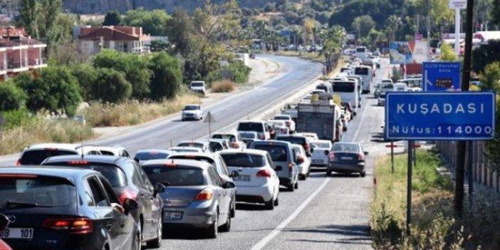 Tatilciler akın etti: O ilçeye 24 saatte 20 bin araç giriş yaptı!