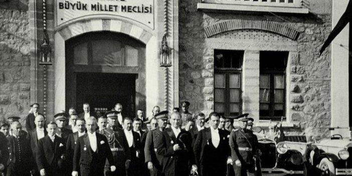 Mustafa Kemal Atatürk tarafından kurulan Meclis'in kütüphanesinde Nutuk'un Türkçesi yok