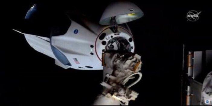 Uzay adamları son hazırlıklarını yaptı; Astronotları taşıyan kapsül Uzay İstasyonu'na kenetlendi