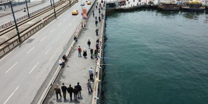 Galata Köprüsü'ne balıkçı akını