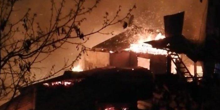 Ahşap evler cayır cayır yandı