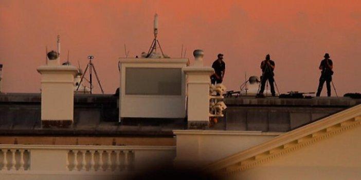 Gece 04:00'da Beyaz Saray çatısında gizli servis ajanları