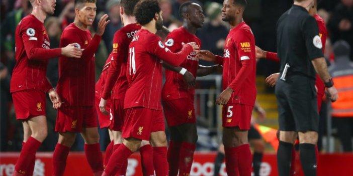 Liverpool şampiyonluk kutlamada ısrarlı