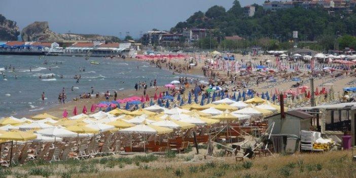 Vatandaşlar sahilde sosyal mesafeyi unuttu