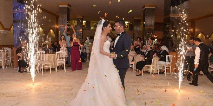 Korona tedbirlerinde en merak edilen soru: Düğünlerde takı takılacak mı?