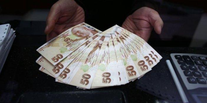CHP'li Özgür Karabat acı tabloyu açıkladı: Millet tarihte görülmediği kadar bankalara koştu