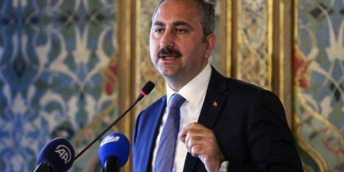 'Yukarılarda' neler oluyor: Cem Küçük, Adalet Bakanı Abdülhamit Gül'ü hedef aldı
