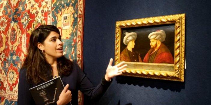 İngilizler'i meraktan çatlatan tablo. Fatih Sultan Mehmet'in yanındaki kişi kim?