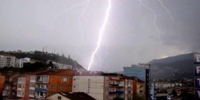 Karabük'te yağmur; yollar suyla doldu