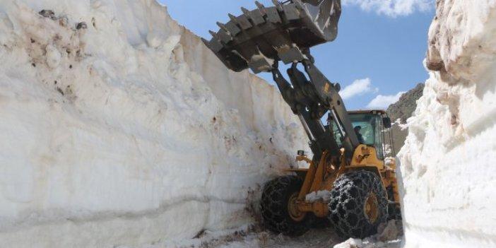 Haziran ayında karla mücadele: Burası Sibirya değil Türkiye