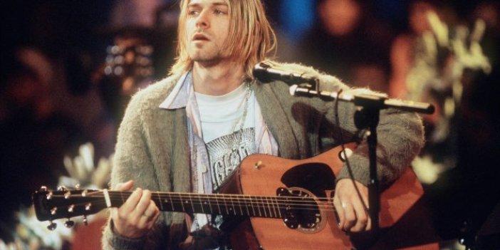 Ünlü sanatçının gitarı 6 milyon dolara satıldı