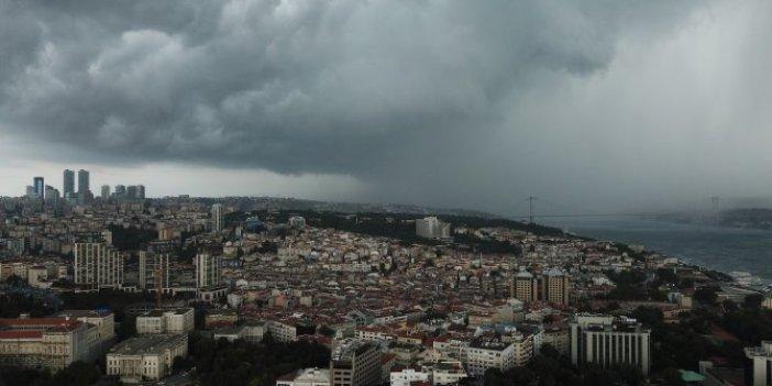 İstanbul'da yağmur sonrası ilginç görüntüler
