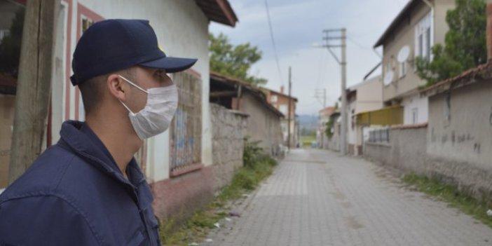 İlçe sakinleri tedirgin: Virüs şüphesi olan kadın, önce yemeğe sonra nişana katıldı