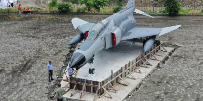 Rize sahiline savaş uçağı