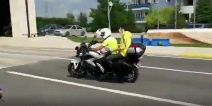 Süleyman Soylu paylaştı: YKS'ye geç kalan öğrencileri polis sınava böyle yetiştirdi!