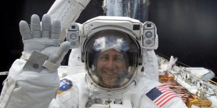 NASA'dan açıklama: Bir astronotumuz uzayda aynasını düşürdü