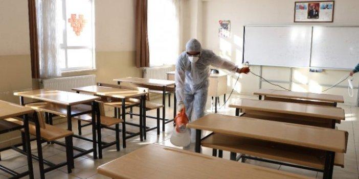Bilim Kurulu üyesinden okulların açılma tarihiyle ilgili kritik iddia!