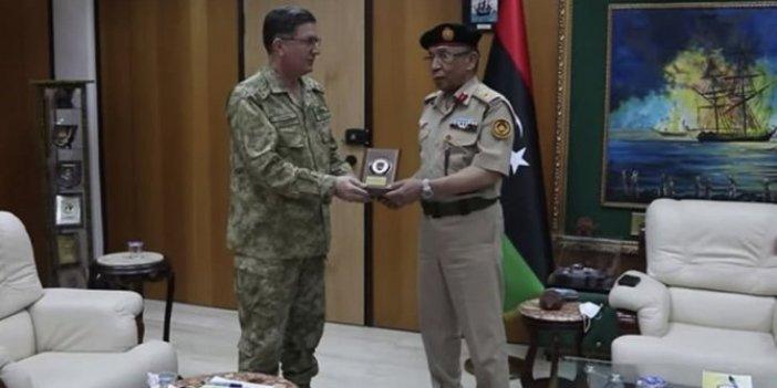 Deniz Kuvvetleri Komutanı Özbal Libya'da