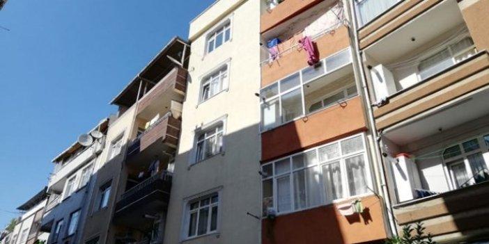 Zeytinburnu'nda 4 katlı bina çatlaklar nedeniyle boşaltıldı!