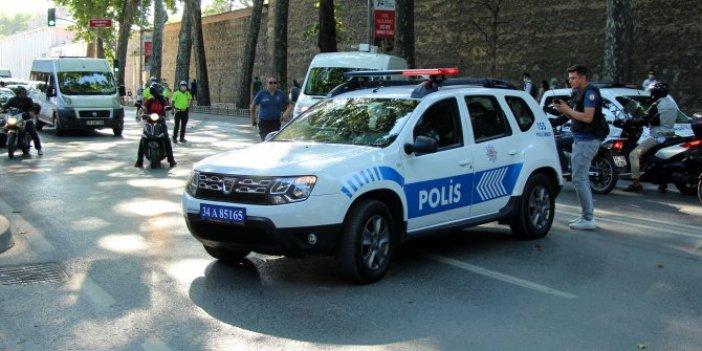 Yol trafiğe kapatıldı, polis alarma geçti!İstanbul'da canlı bomba alarmı