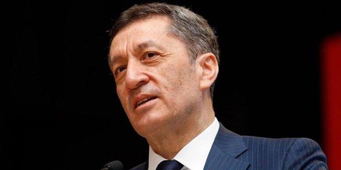 Akit yazarından Milli Eğitim Bakanı'na 'Sen bizden değilsin' yazısı, Cumhurbaşkanı Erdoğan'a tuzak kurmakla suçladı