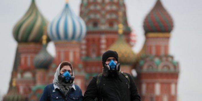 Moskova'da açık alanda maske takma zorunluluğu kaldırılacak