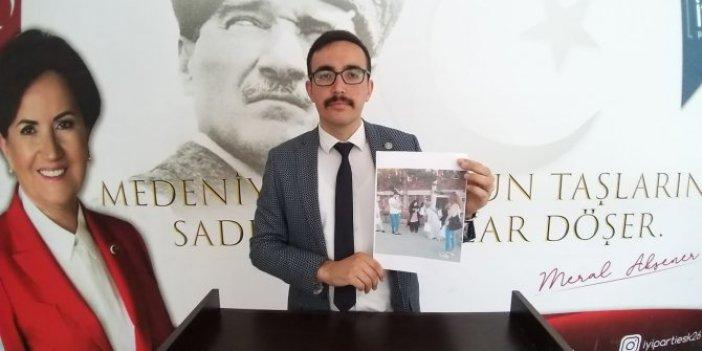Cumhurbaşkanlığı'na ait maskeleri dağıtan AKP'lilere İYİ Parti'den tepki