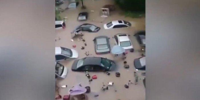 Nehir taştı: Sel suları 140 can aldı