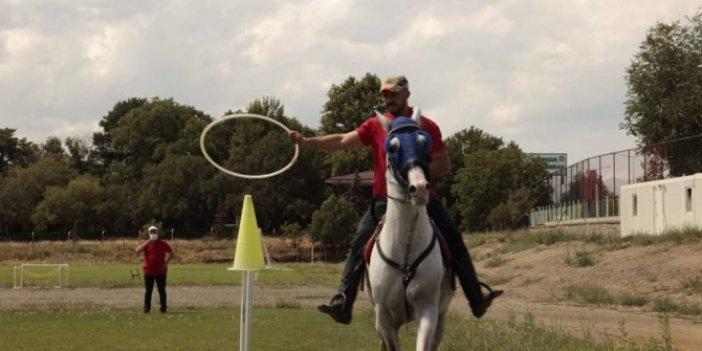 Atlı, ATV'li ve dronlu kurban yakalama timi