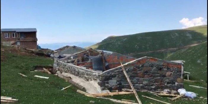 Artvin'de evler çatısız kaldı