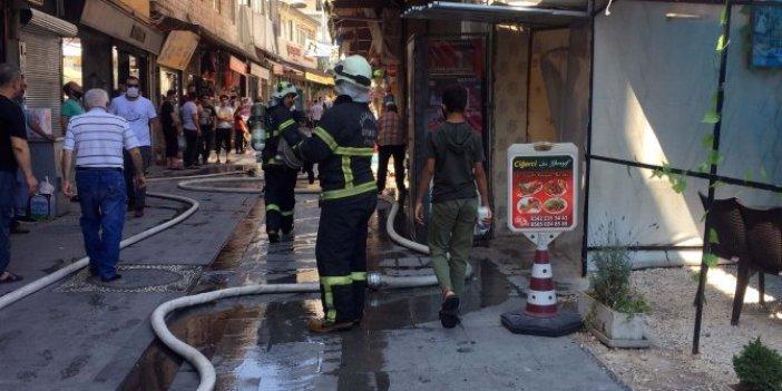 Gaziantep'te metruk binada yangın