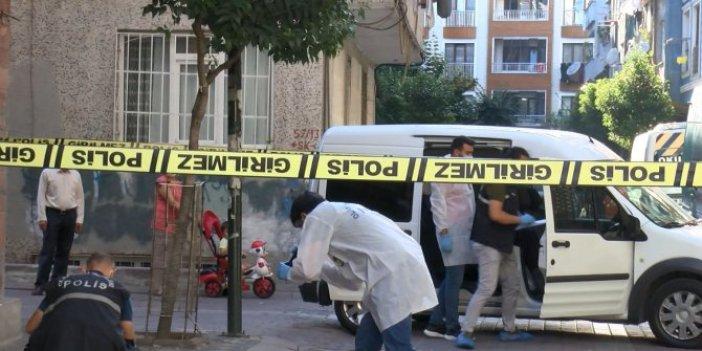 Zeytinburnu'nda silahlı saldırı! 10 yaşındaki çocuk sırtından vuruldu