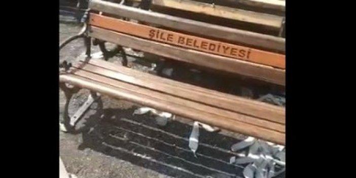 İstanbul Büyükşehir Belediyesi'nin adını banklardan söküp, kendi adlarını yazdılar: Belediyeler savaşı: İş buralara kadar geldi