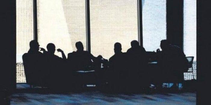"""Hem Cumhuriyet gazetesinin hem Sözcü'nün büyük iddiası: """"İtirafçı FETÖ'cüler görevde, isim isim liste yayınladılar"""""""