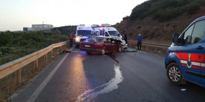 Kocaeli'de iki otomobil çarpıştı: 6 yaralı