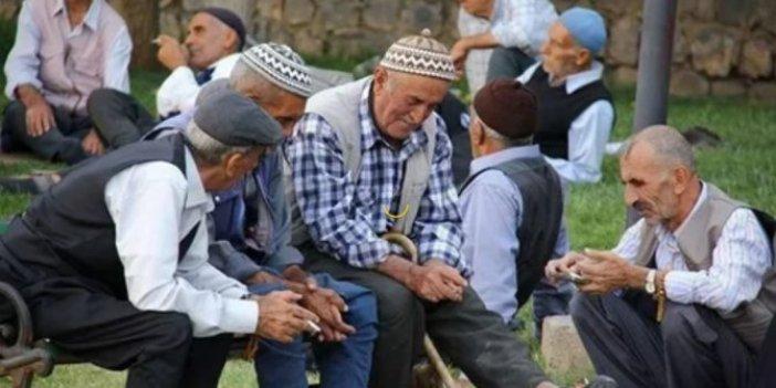 Emekliler bayrama yasaklı giriyor