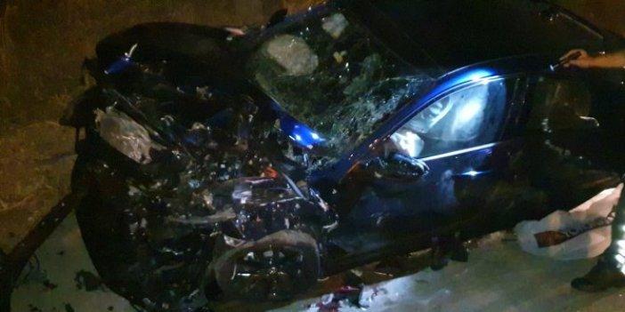 Bursa'da feci kaza! Sürücü ile arkadaşı camdan fırladı