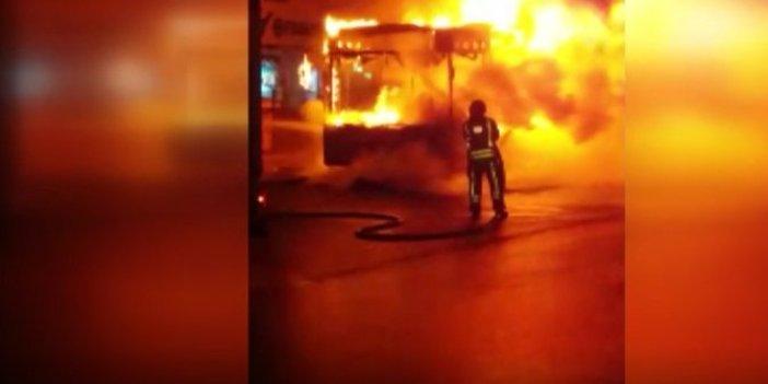 Esenyurt'ta belediye otobüsü kundaklandı!