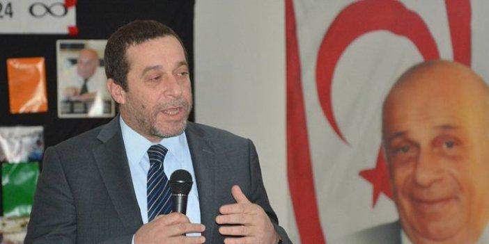 KKTC'nin efsane Cumhurbaşkanının oğlu Serdar Denktaş cumhurbaşkanlığı seçimi için adaylığını açıkladı!
