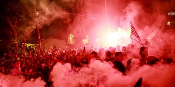 Fatih Karagümrük taraftarından  muhteşem şampiyonluk kutlaması