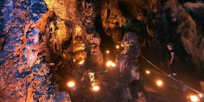 Yüzlerce metre derinliğe sahip: 200 milyon yaşında