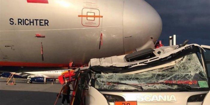"""Kamyonun arkasına """"Tek rakibim havayolları"""" yazanların dikkatine! Uçakla çarpışan kamyon hurda oldu"""