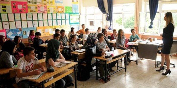 Prof. Dr. Mehmet Ceyhan 4 maddelik öneri listesi paylaştı! Oranlar yüzde 2'yi geçerse okullar kapanmalı