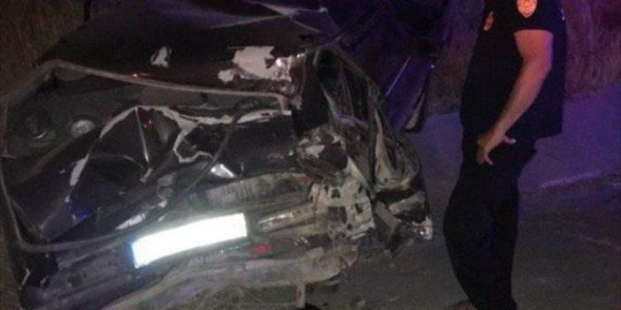 Elazığ'da çok feci olay! Arızalanan araçlarını iterken TIR çarptı