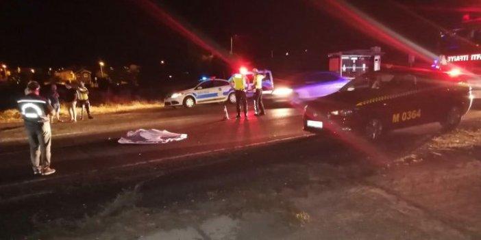 Silivri'de çok kötü kaza! Taksi çarptı otomobil üzerinden geçti