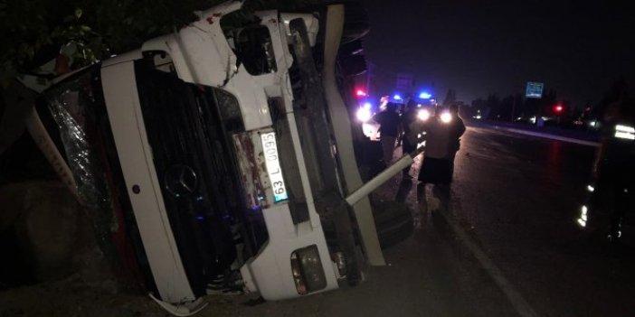 Adana'da TIR otomobille çarpıştı!1 ölü