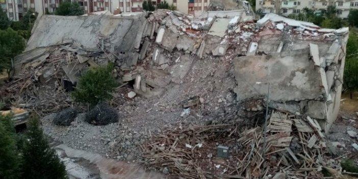 Hasarlı evin yıkımında facianın eşiğinden dönüldü